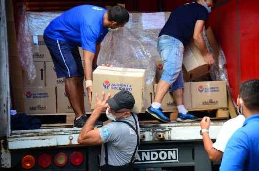 """Caraguatatuba começa a distribuir cestas do Programa """"Alimento Solidário"""""""