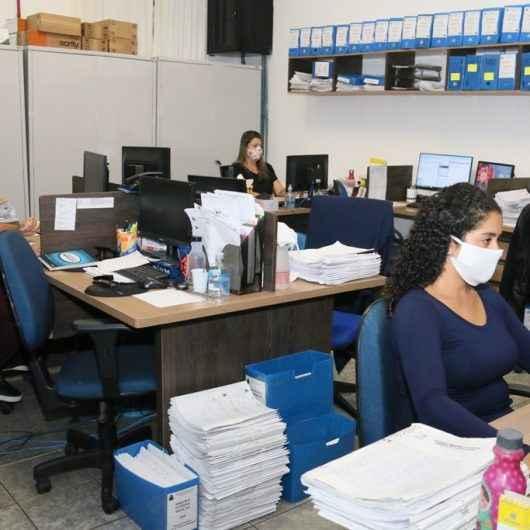Prefeitura de Caraguatatuba mantém diversos serviços online e à distância