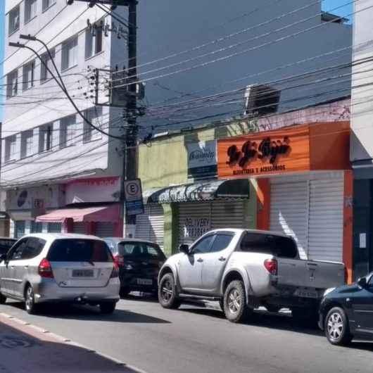 Fiscalização da Prefeitura de Caraguatatuba vistoria 340 estabelecimentos no super feriadão