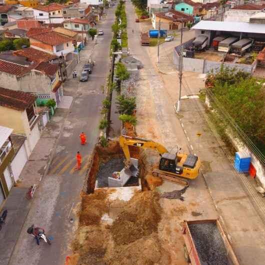 Obras contra enchentes na região do Tinga avançam