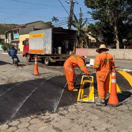 Prefeitura de Caraguatatuba reforça sinalização de trânsito em diversos pontos da cidade