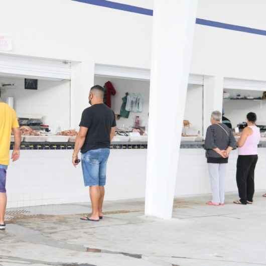 Pescadores do Entreposto do Camaroeiro comemoram Dia de São Pedro e aumento nas vendas