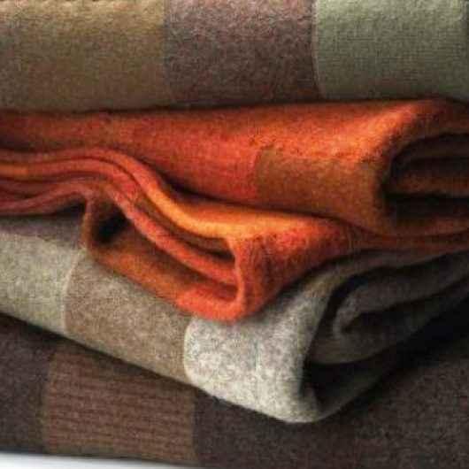 Doe cobertor e agasalho ao Fundo Social de Caraguatatuba e aqueça o inverno de alguém