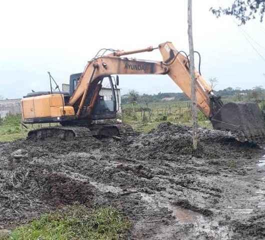Prefeitura realiza substituição de aduelas para aumentar drenagem no Pegorelli