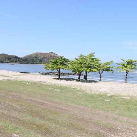 Prefeitura de Caraguatatuba e Sabesp fazem parceria para limpar Praia do Centro