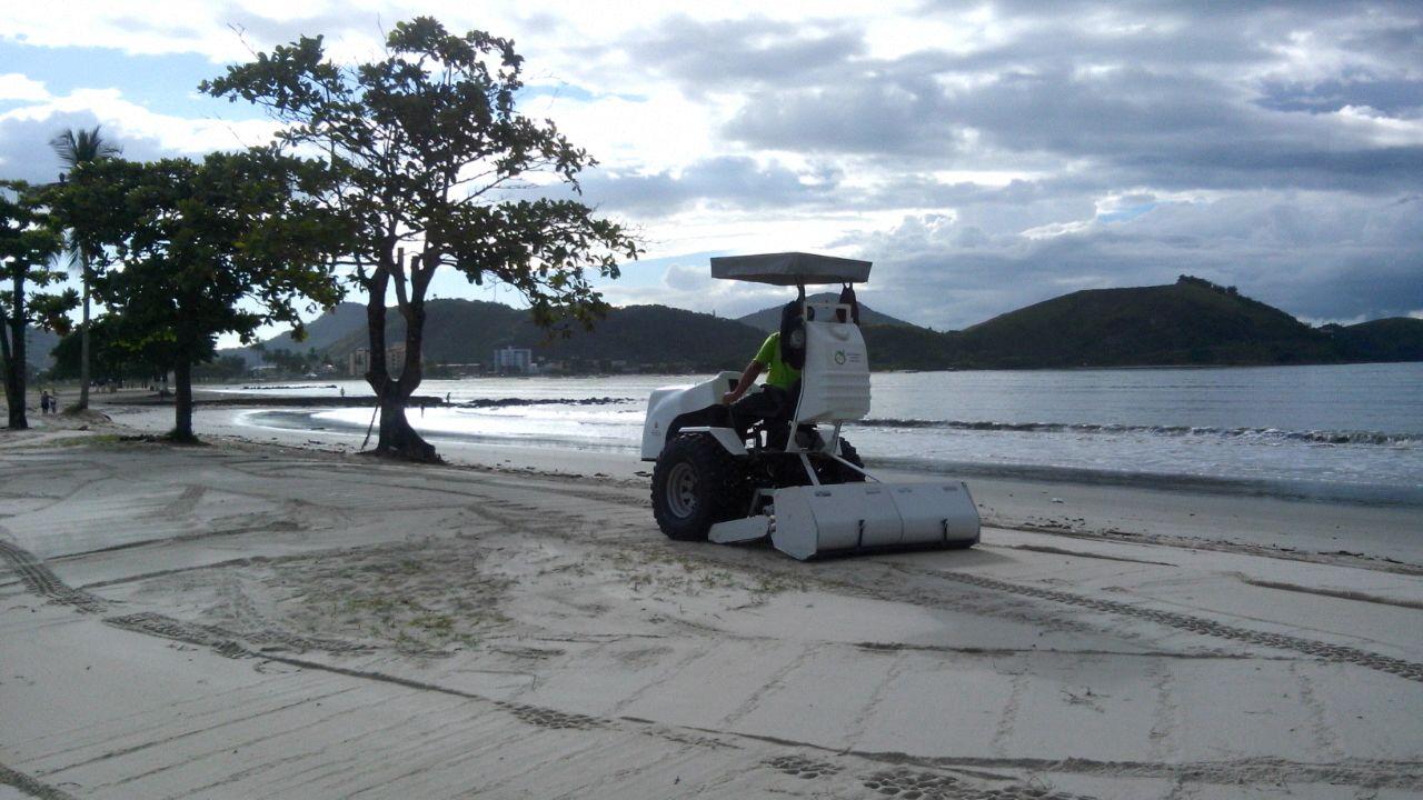 Prefeitura de Caraguatatuba promove limpeza em praias e bairros