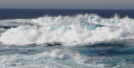 Defesa Civil e Marinha alertam para ressaca e mar grosso na região