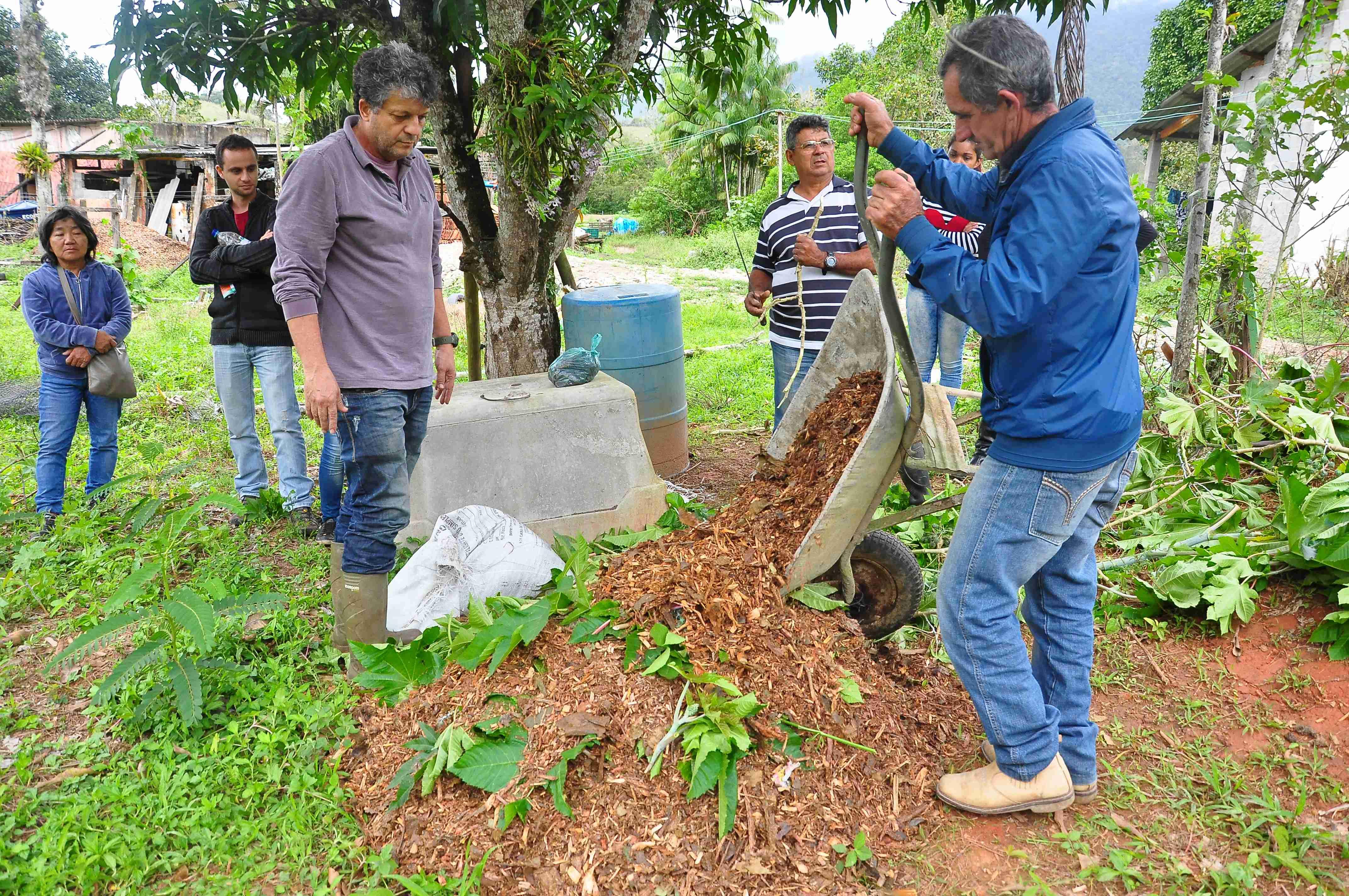Prefeitura de Caraguatatuba oferece oficina gratuita de compostagem de resíduos