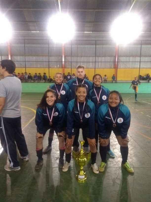 76079787b1 Equipe de futsal feminino de Caraguatatuba conquista 3º lugar nos Jogos  Escolares do Estado de São Paulo