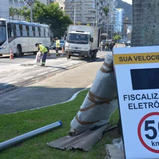 Prefeitura troca radar por lombada eletrônica na avenida da praia tornando trânsito mais seguro