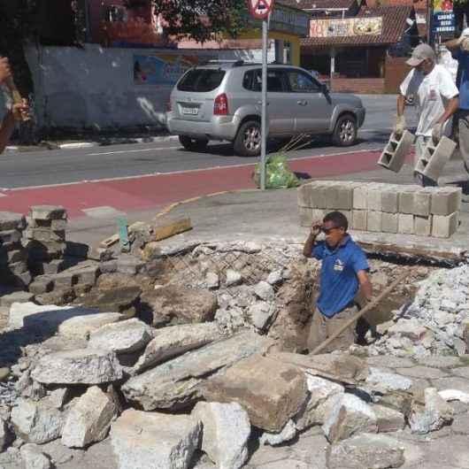 Prefeitura realiza manutenção da rua Laércio Luís da Silva, no bairro Estrela D'alva