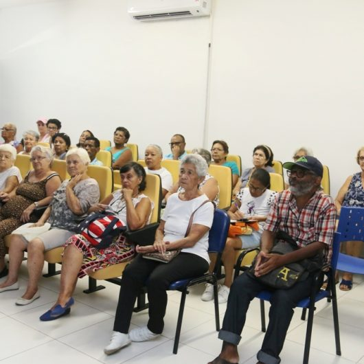 Procon de Caraguatatuba alerta idosos sobre vendas abusivas com ciclo de palestras