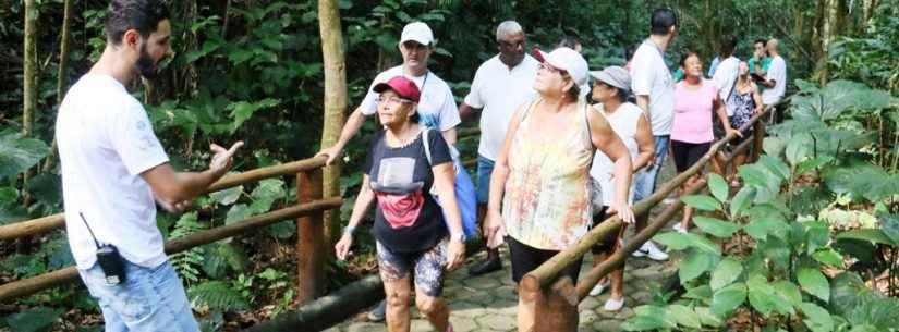 Idosos e pessoas com deficiência visitam projeto de trilha acessível no Parque Estadual Serra do Mar