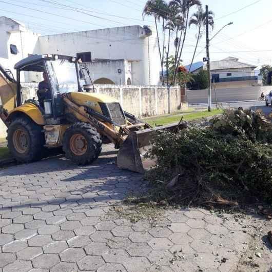 Bota-Fora retira mais de 180 toneladas de resíduos em operação realizada em vários bairros