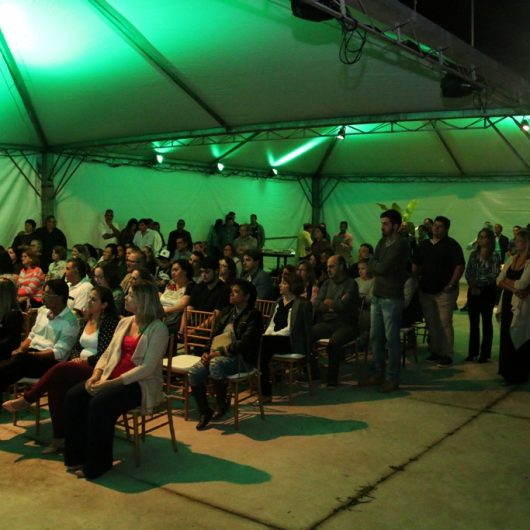 Prefeitura de Caraguatatuba reforça proibição de fumar em eventos cobertos