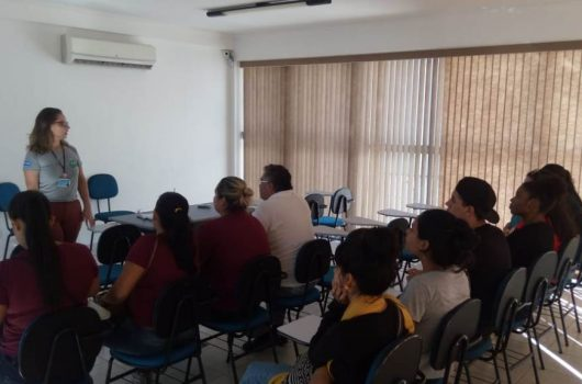Banco de Alimentos de Caraguatatuba recebe visita de alunos da ETEC