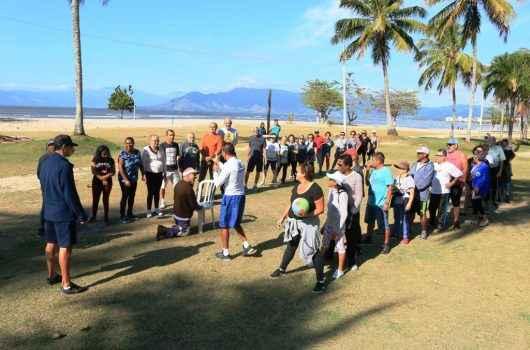 Sepedi promove mais uma sexta-feira de atividades para idosos no Programa Praia Acessível