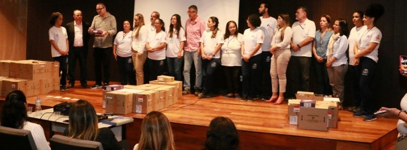 Novos tablets para Agentes Comunitários de Caraguatatuba vão agilizar cadastramento de usuários
