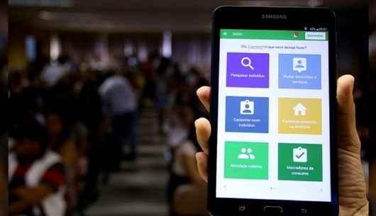 Agentes de Saúde de Caraguatatuba recebem tablets do Estado para cadastrar usuários
