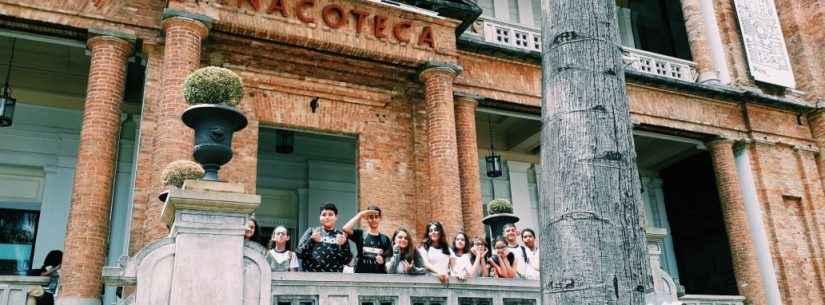 Alunos de Caraguatatuba descobrem uma nova forma de aprender sobre arte