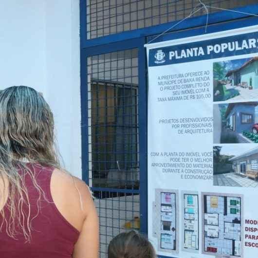 Prefeitura de Caraguatatuba leva Urbanismo Itinerante para atendimento no Centro