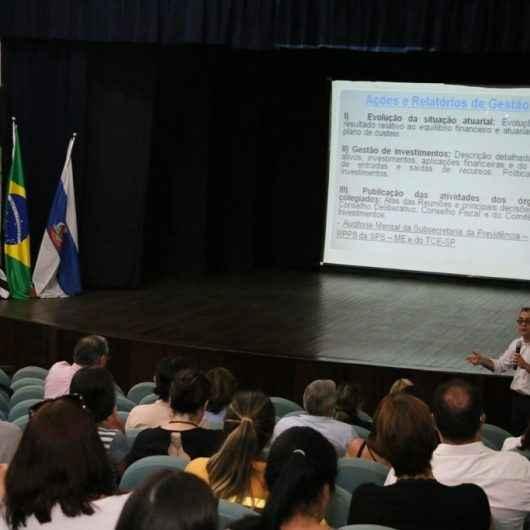 CaraguaPrev realiza palestra sobre a importância dos conselheiros nos RPPS's