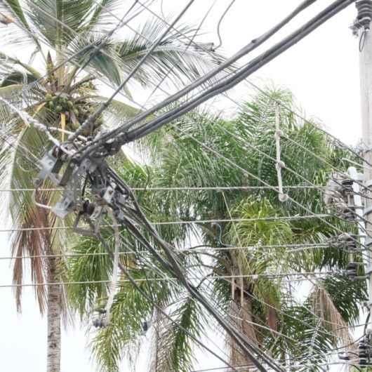 Prefeitura reforça fiscalização de fios soltos em bairros de Caraguatatuba
