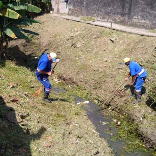 Prefeitura realiza serviços de limpeza no Rio da Paca nos bairros Tinga e Gaivotas