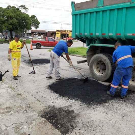 Operação Tapa-buracos chega ao Pontal Santamarina