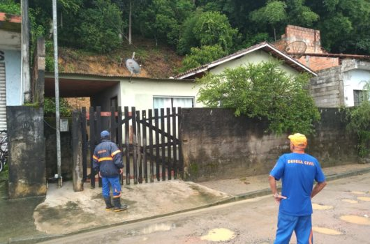 Defesa Civil de Caraguatatuba monitora áreas de risco devido às chuvas