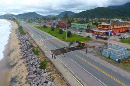 Prefeitura de Caraguatatuba inicia construção de canal contra enchentes no Massaguaçu