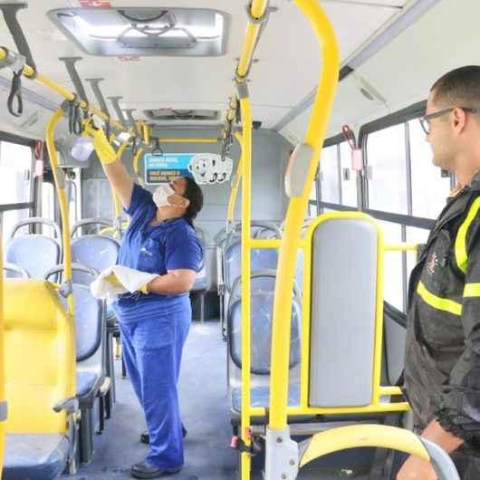 Prefeitura de Caraguatatuba fiscaliza higienização nos ônibus da Praiamar