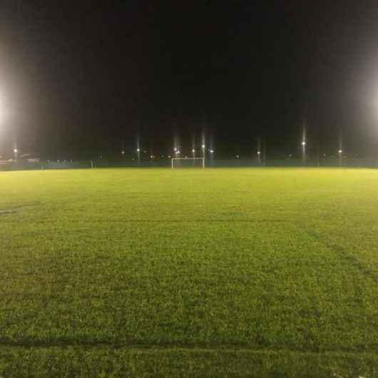 Prefeitura de Caraguatatuba corta luz das quadras de esportes coletivos