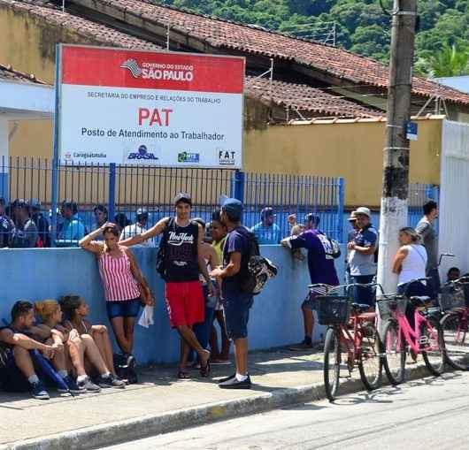 PAT de Caraguatatuba recebe currículos para área de limpeza do HR somente hoje (13/03)