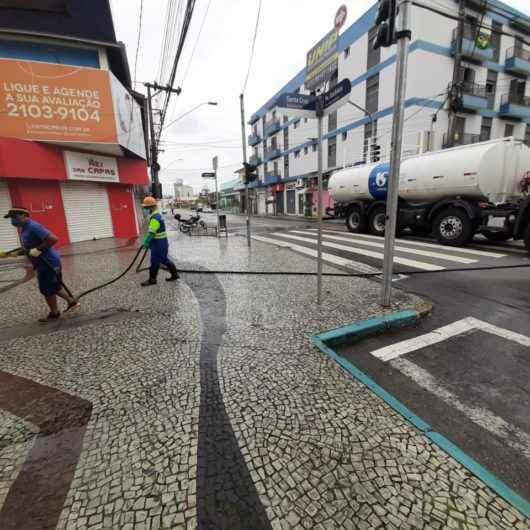 Serviços de higienização da Prefeitura e Sabesp são realizados de Norte a Sul em Caraguatatuba