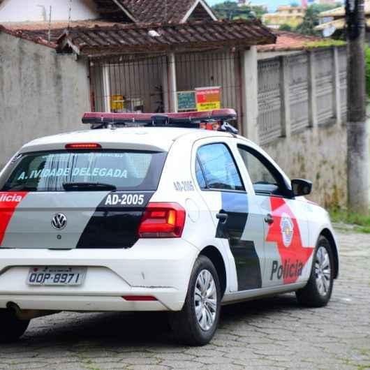 Atividade Delegada de Caraguatatuba prende mulher procurada por tráfico de drogas no Tinga