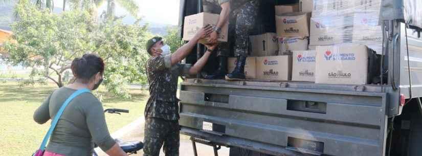 Operação Covid-19: Exército auxilia na entrega de cestas do Programa Alimento Solidário em Caraguatatuba