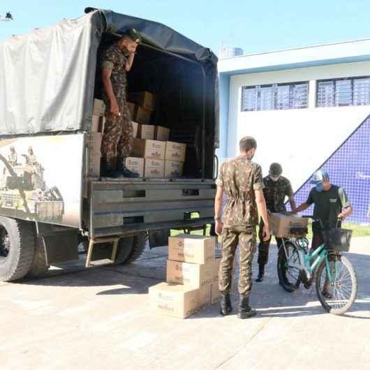 """2 mil pessoas ainda não retiraram as cestas do Programa """"Alimento Solidário"""" em Caraguatatuba"""