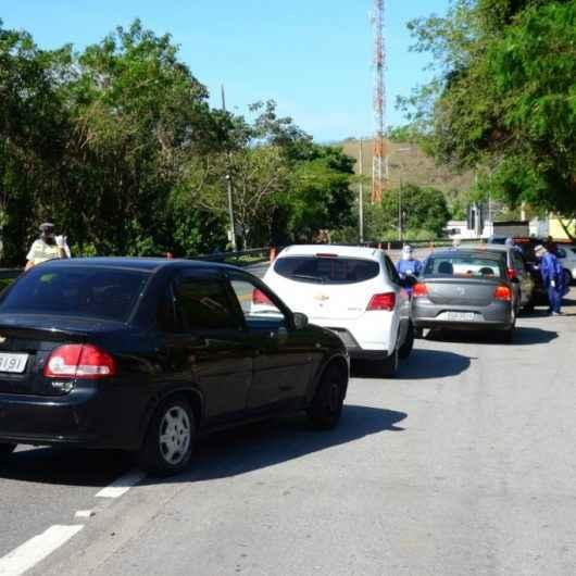 Mais de 150 veículos passam pela barreira sanitária na Tamoios em dois dias de feriado prolongado