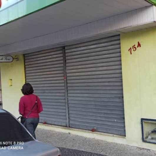 Prefeitura de Caraguatatuba orienta comércios para horário de fechamento durante a semana