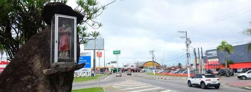 Dia de São Cristovão tem carreata e benção de veículos em Caraguatatuba