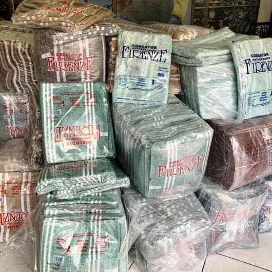 Fundo Social de Caraguatatuba recebe 1,5 mil cobertores de ação voluntária da Sabesp