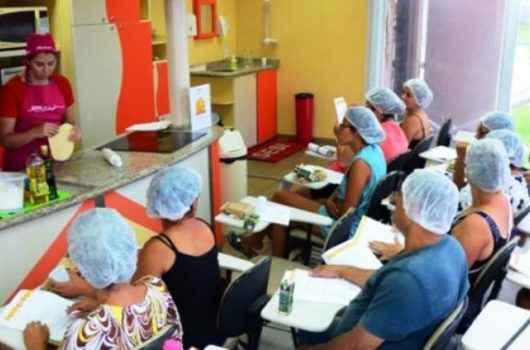 Cerca de 3 mil pessoas foram capacitadas para o mercado de trabalho em Caraguatatuba