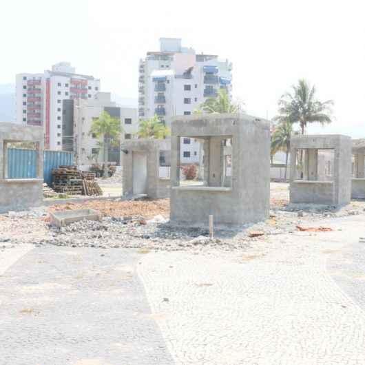 Nova Praça Antônio Fachini recebe boxes e banheiro público