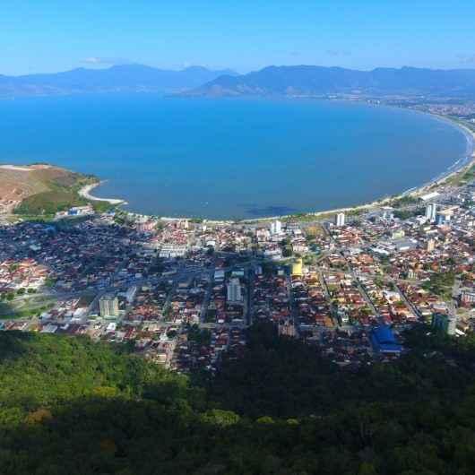 Prefeitura de Caraguatatuba reforça proibição de ônibus de turismo de um dia