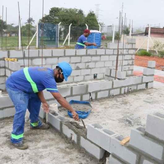 Prefeitura de Caraguatatuba continua obras do Centro de Tradições do Tinga