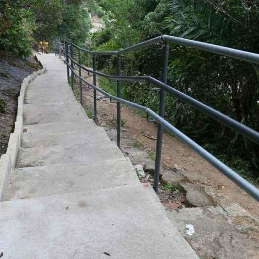 Prefeitura de Caraguatatuba conclui revitalização da trilha da Pedra da Freira e agiliza a do Jacaré