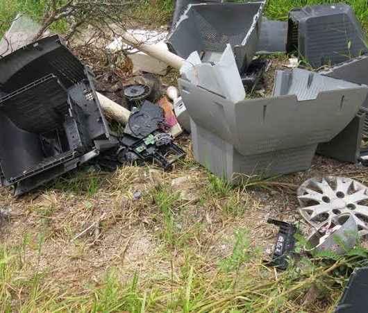 Secretaria de Urbanismo de Caraguatatuba cria espaço para receber lixo eletrônico