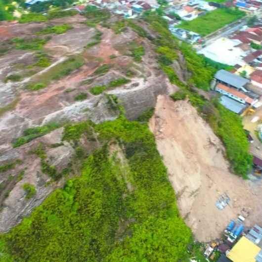 Após deslizamento de terra, Caraguatatuba entra em estado de alerta até fim do PPDC