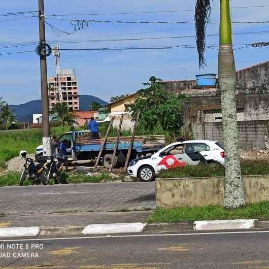 Prefeitura de Caraguatatuba impede tentativa de invasão de área pública na Avenida da Praia